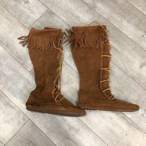 Minnetonka moccasins boots